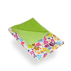 Produktbild 101851 Eulen-bunt-Wickelunterlage-petit-lulu bedruckt mit bunten Eulen und Blumen Rueckseite gruen