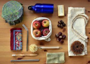 zero-waste-4221633_1280 gedeckter Tisch mit Naturprodukten